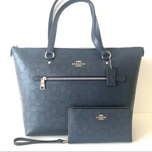Coach Gallery Tote Blue Leather Purse Wallet Set